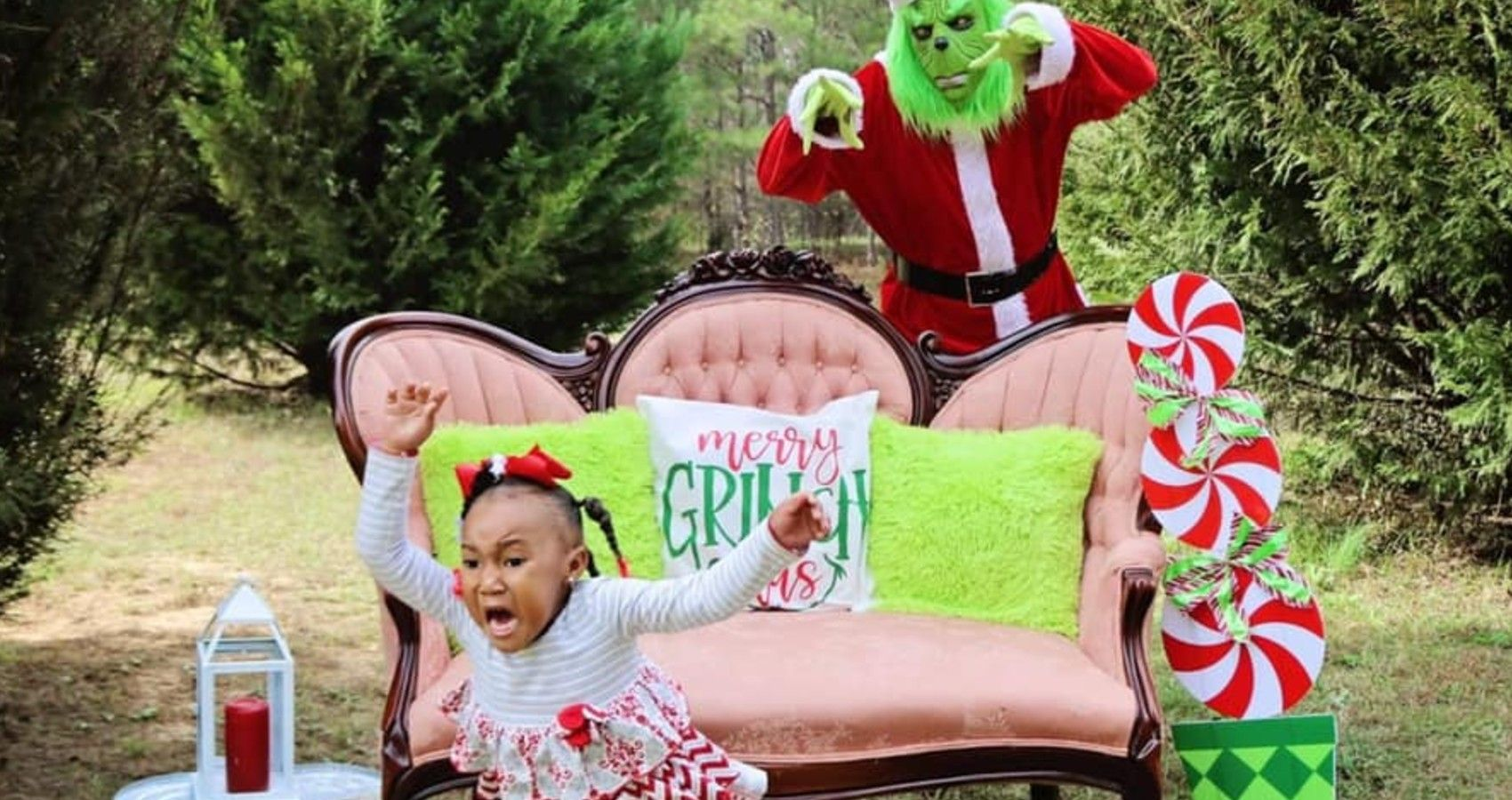 The Grinch Crashes A Little Girl's Photoshoot | Moms.com